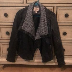 Forever 21 black leather jacket